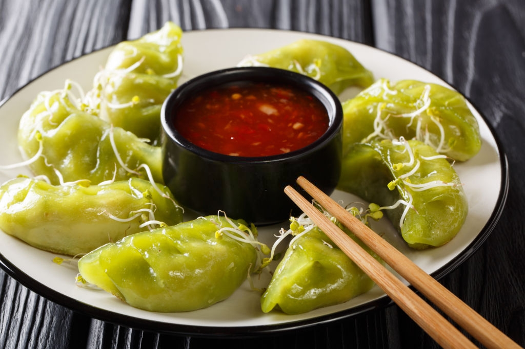 Cheese and Spinach Momos Recipe